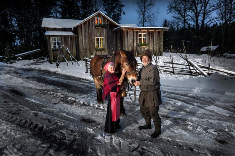 hemma hos tomten med fru i Månkarbo, UNT 2017.