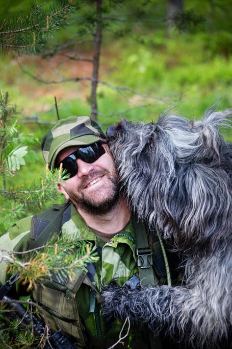 Övning med hundpatrull, Tidningen Hemvärnet 2019.