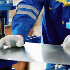 Manufacturers & Wholesalers