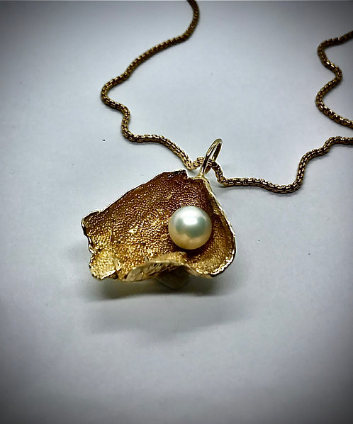 FRESHWATER PEARL 14ky  GOLD PENDANT