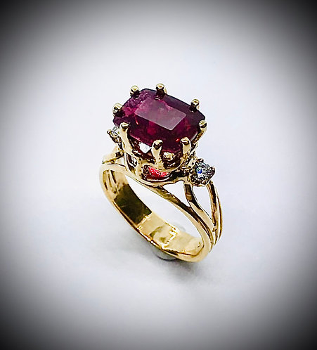 RUBILITE RED TOURMALINE AND DIAMOND 14ky GOLD RING