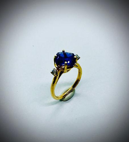 TANZANITE AND DIAMOND 14Kky GOLD RING