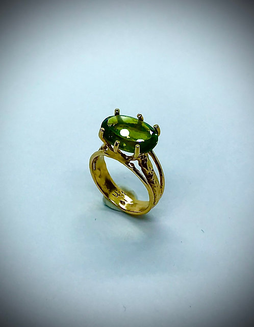 PERIDOT 14ky GOLD RING