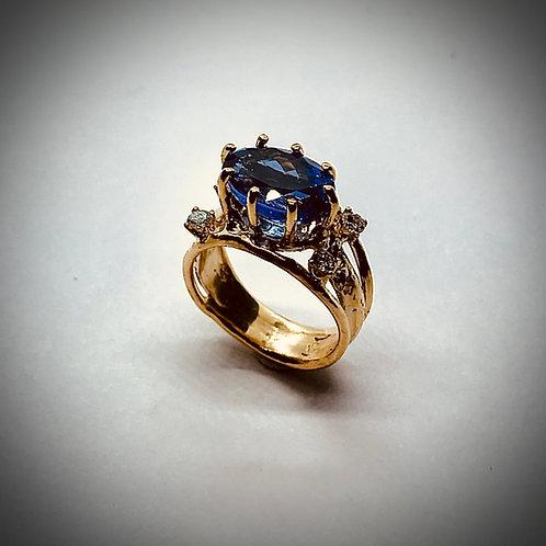 TANZANITE AND DIAMOND 14ky GOLD RING