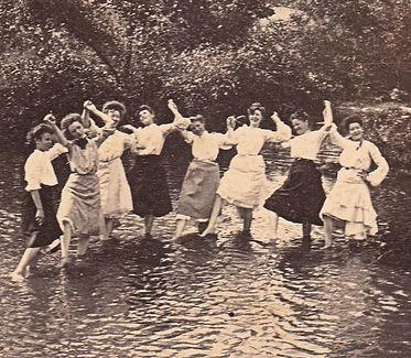 mujeres fiesta.jpg