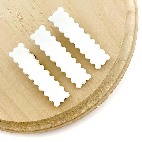 White Scalloped Clip