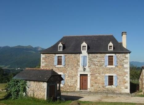 maison pierre et bois asson pyrénées