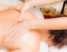 Massage du dos à Asson