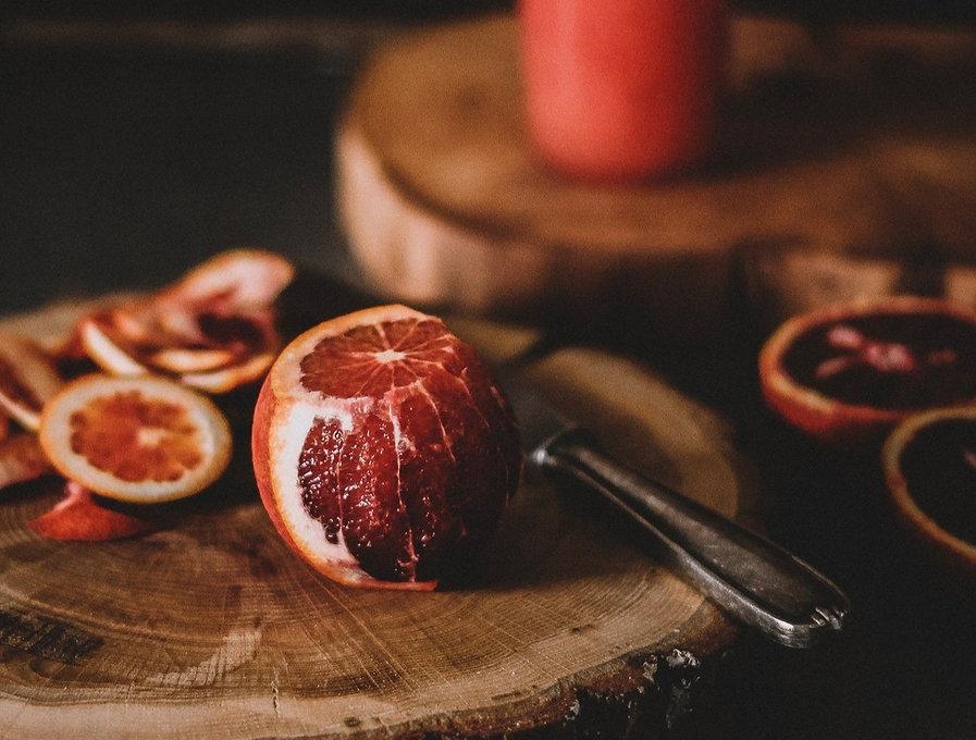 fruit-on-chopping-board-2067629_edited_edited.jpg