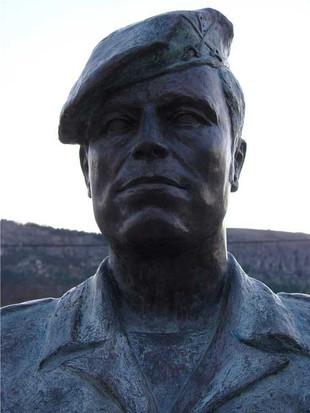 Busto em Bronze