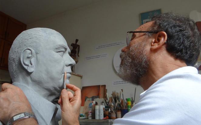 Execução de Busto com argila sintética
