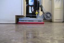 Compact floor cleaners