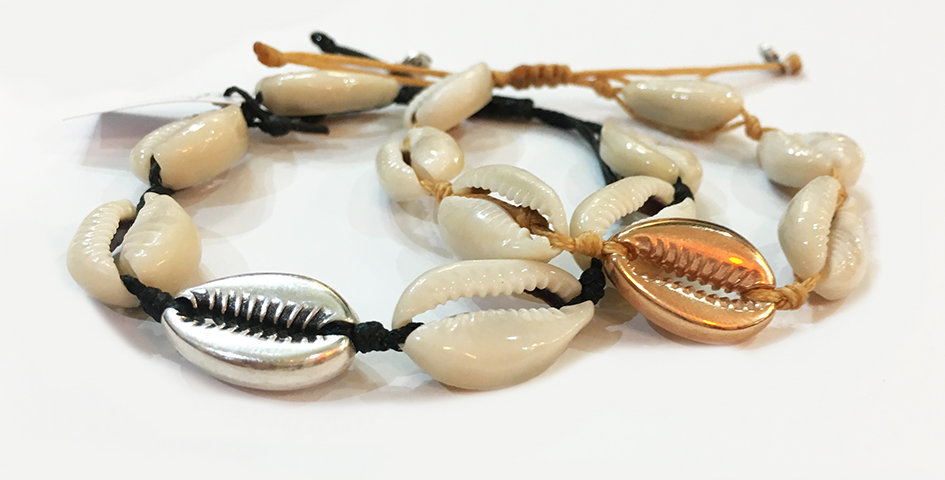Natural Shell and Metal shell Bracelet (2cm shells)