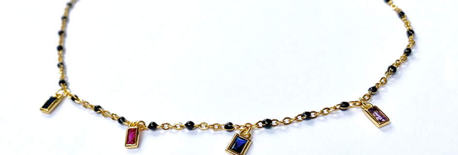 Enamel chain with zircon charms