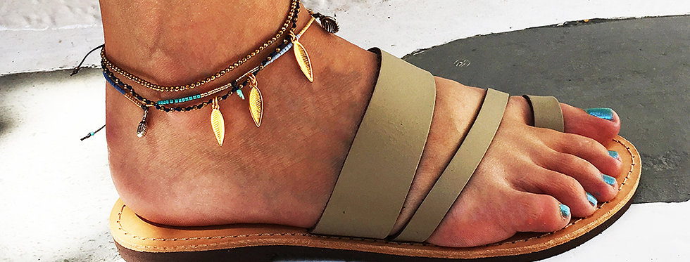 The fly away feather bracelet/anklet