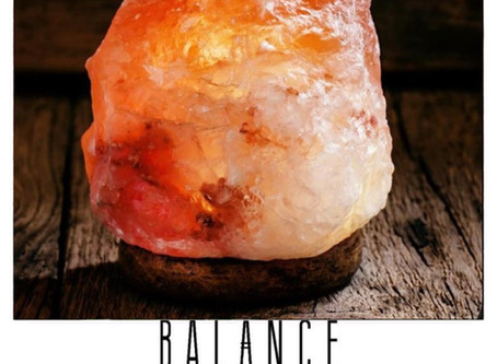 A Complete Guide to Himalayan Pink Salt Lamps