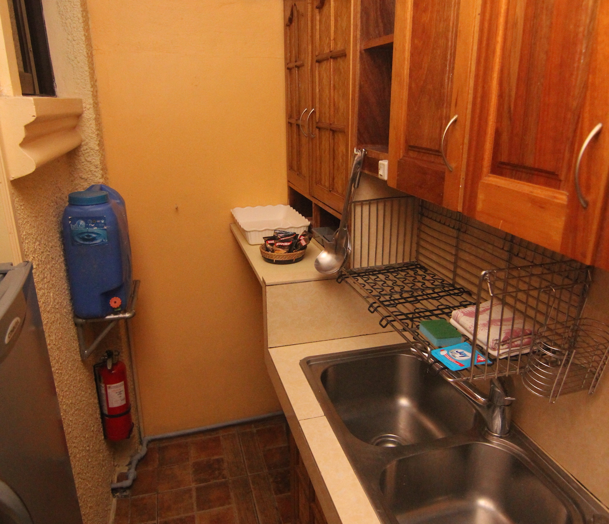 kitchensinkapt2