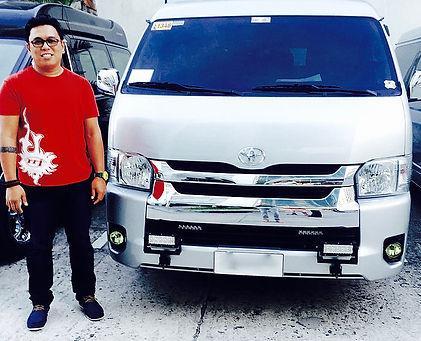 Van Tour Expert Driver Joel