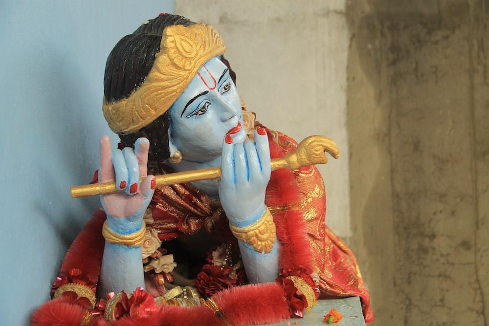 krishna, estatua, hinduismo, punjab, hindi, india, vivir en india, viajar en india, mujer