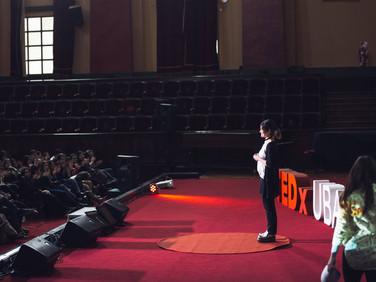 Darle identidad a pequeñas historias | Marina Serafini | TEDxUBA