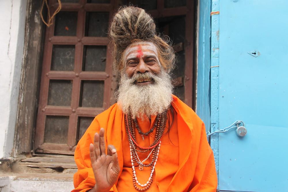 india, jessica oyarbide, viajar, sadhu, varanasi, miedo, apego, vida, ser.jpg