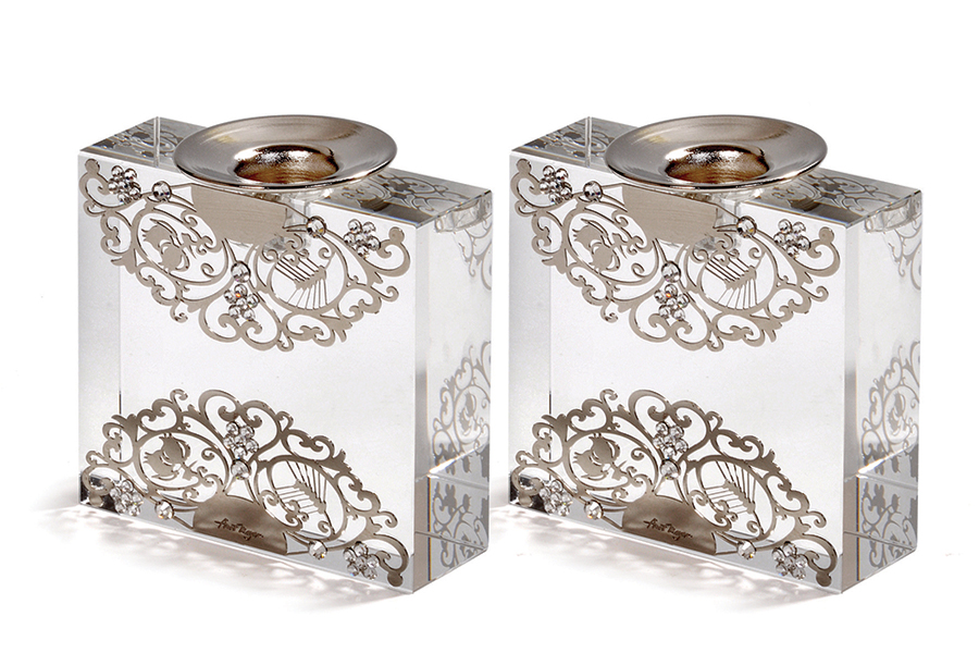 10.SQUARE CRYSTAL CANDLESTICKS