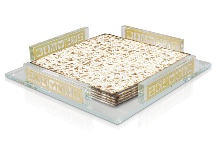 22.CRYSTAL MATZA HOLDER