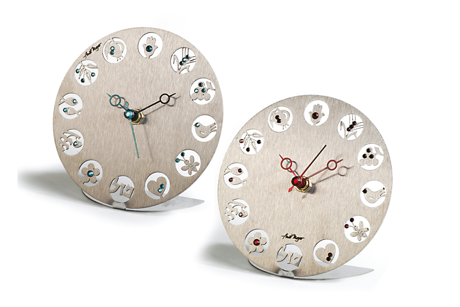 14.TABLE CLOCK