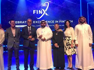 فريق البحرين ينال جائزة «التميز في التكنولوجيا المالية»