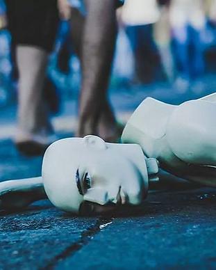 Smashed-mannequin_edited.png
