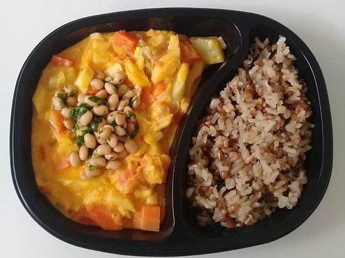 Moqueca de Palmito Natural com Legumes, Soja Marinada e Arroz 7 Cereais