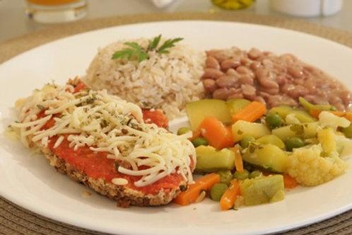 Hambúrguer de Soja à Pizzaiolo, Arroz Integral, Feijão e Legumes Sauteé