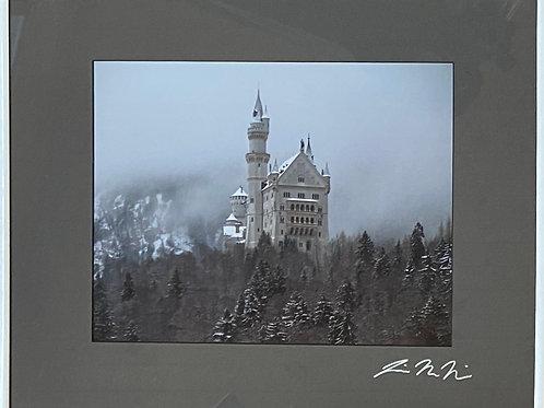 F16x20-3943 Foggy Neuschanstein Castle Germany