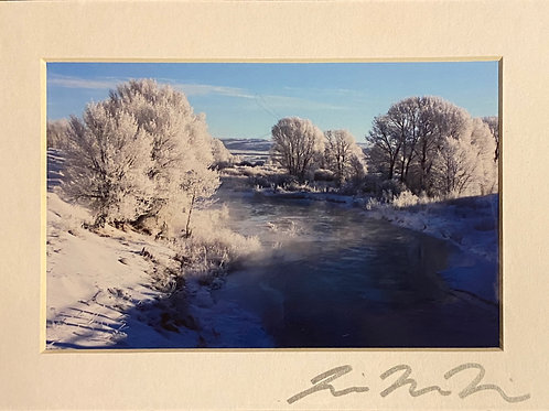 M5x7-2733 Icy River-Blue Christmas Wyoming