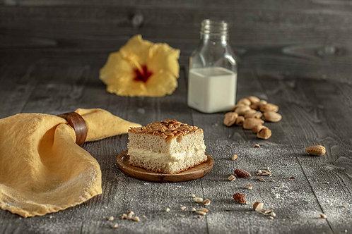 Bienenstich - cake with vanilla custard cream