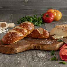 Josie - Pretzel baguette