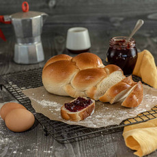 Luise - wheat bread with egg & milk
