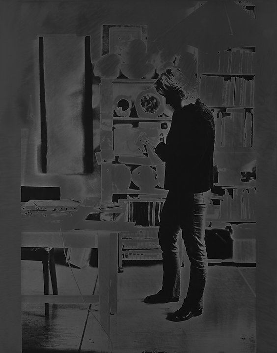 atelier ; artiste ; solarisation ; photographie ; nos corps ont leurs raisons ; 2021 ; collection oeuvres d'art UdeM