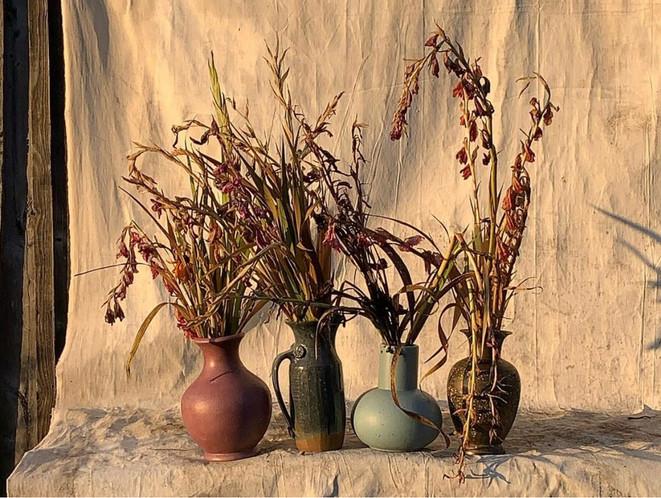 4 vases, vent, 2 vases