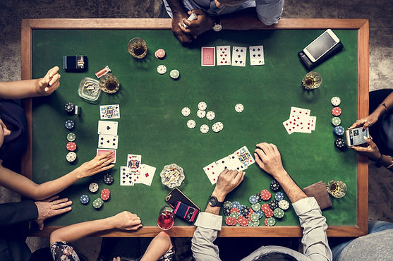 Mesa de Poker Cartas Barajas Chips Jugar Gratis