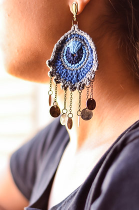 Brinco de Crochê Pavão Azul
