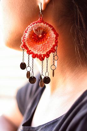 Brinco de Crochê Pavão Vermelho
