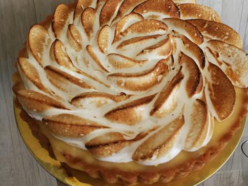 Lemon meringue tart.jpg