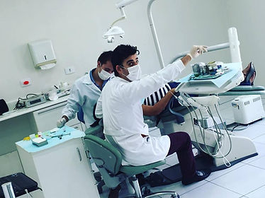 Dr. Roberto e Equipe