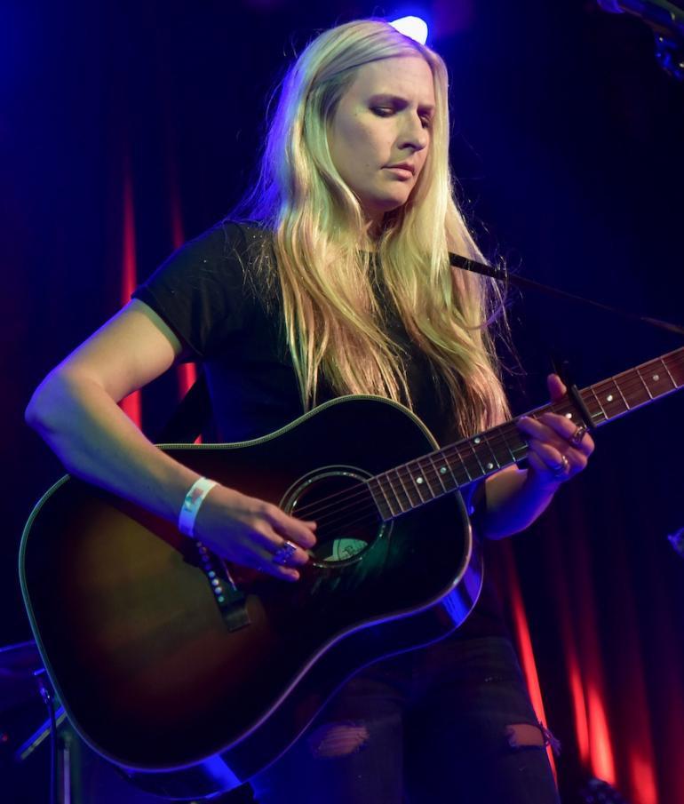 Holly williams.jpg
