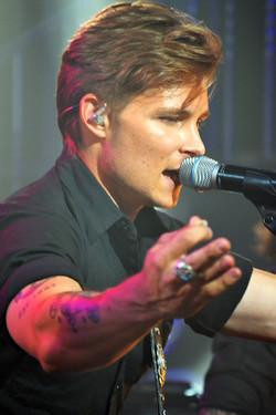 Frankie Ballard Live Singer Music