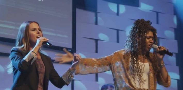 Mia's Ministry MIA Worship Singer