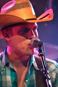 Nashville entertainment concert photography - Dustin Lynch by brian bayley 750thumb.jpg