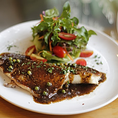 Black Pepper Fish With Salad