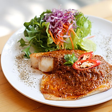Tom Yam Baked Fish With Salad
